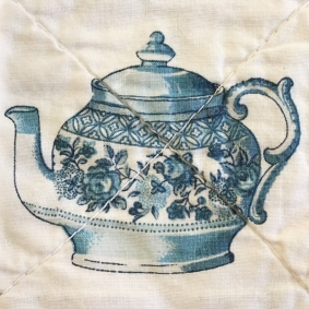 tea-pot-detail